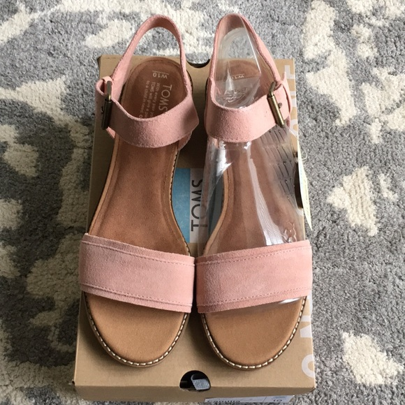 a1a95f615922 NEW Toms Camila Bloom Suede Sandals